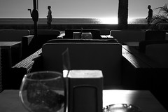 breakfast in america? (pepe amestoy) Tags: blackandwhite streetphotography people elcampello spain fujifilm xe1 carl zeiss c biogon 2835 zm t m mount