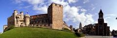 Ponferrada (santiagolopezpastor) Tags: espagne españa spain castillayleón león provinciadeleón bierzo castillo castle chateaux medieval middleages templarios templario temple