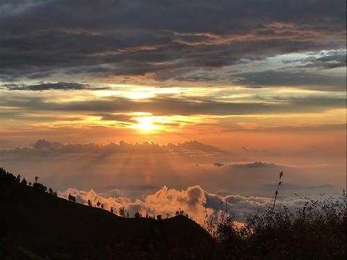 "Indonezja wulkany z Exploruj14 <a style=""margin-left:10px; font-size:0.8em;"" href=""http://www.flickr.com/photos/125852101@N02/37286120104/"" target=""_blank"">@flickr</a>"