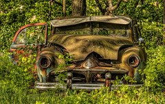 Car with some grunge.... (Kevin Povenz Thanks for the 3,700,000 views) Tags: 2017 may kevinpovenz westmichigan michigan ottawacounty car daylight harsh old antique abandon auto automobile outside outdoors green canon7dmarkii grunge