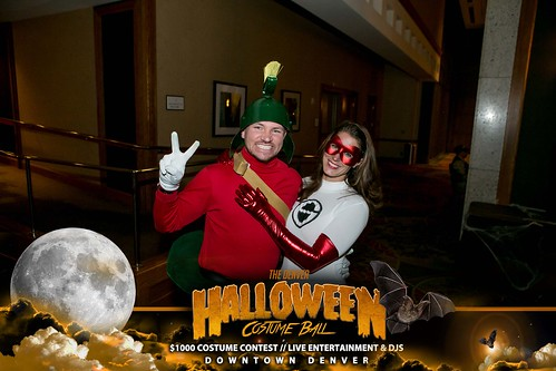 "Halloween Costume Ball 2017 • <a style=""font-size:0.8em;"" href=""http://www.flickr.com/photos/95348018@N07/37368433424/"" target=""_blank"">View on Flickr</a>"