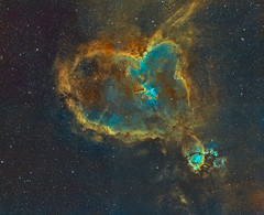IC1805 (Heart Nebula) mosaic (2x2) in Hubble Palette (SII/Hα/OIII) (Carballada) Tags: astrophotography astronomy deep space astro celestron zwo as1600mmc skywatcher ts sky qhy qhy5iii174 narrowband astrometrydotnet:id=nova2298257 astrometrydotnet:status=solved