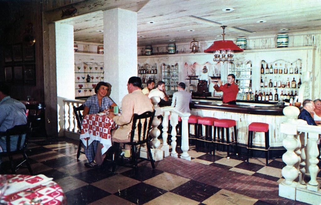 hotel henry perkins_riverhead long island ny edge and corner wear tags vintage postcard