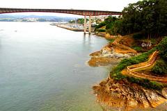 Otra maravillosa vista de Galicia. (gilmavargas) Tags: faroycastillode bay river bridge landscape sky water trees
