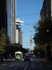 201709043 San Francisco tram (taigatrommelchen) Tags: 20170938 usa ca california sanfrancisco financialdistrict urban city railway railroad mass transit tram train muni street