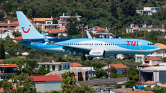 Tui - Boeing 737-800 - G-FDZF (domi26495) Tags: tui boeing 737800 gfdzf skiathos lgsk jsi planespotter spotter aircraft airplane flugzeug canon 70d