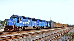 Conrail 3295 & 3265 (EMD GP40-2 & GP40) (hardhatMAK) Tags: scannedslide kodachrome64 conrail cr3295 cr3265 emdgp40 emdgp402 hammondwhitingin 8241986 westbound freighttrain