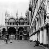 MATTINO IN PIAZZA SAN MARCO (ADRIANO ART FOR PASSION) Tags: venezia piazzasanmarco mattino bn bw rollei rolleiflex6x6 stampa brovira matt broviramatt 1968 scansione epsonv550