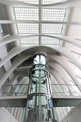 countdown (Fotoristin - blick.kontakt) Tags: architecture station liège liègeguillemins calatrava elevator lines futuristic countdown fotoristin