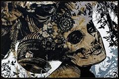 Eric Lacan (Gramgroum) Tags: galerie openspace paris monsieur qui eric lacan monsieurqui installation vanite mort squelette femme corne crane visage