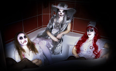 Zombies 4ever (PKub) Tags: 2016 alexandra bild events frauen haare hair halloween image jennifer mystisch mandy model nikon photography pkub pkubimagesgmailcom photo photoshooting picture pkubimages vampir vampire weiss white zombie mystical people unknownpeople women