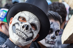 Day of the Dead, Mexico City (Geraint Rowland Photography) Tags: dayofthedead dayofthedeadparade dayofthedeadmexicocity jamesbond bond bondinmexico díademuertos allsoulsday halloween mexicanculture mexicantraditions nightmare fancydress party mexicanparty fiesta scary scarymask skeleton geraintrowlandinmexico streetphotography mexicanstreetphotography distritofederal df tophat wwwgeraintrowlandcouk geraintrowlandphotography travelblogbygeraintrowland blog
