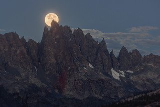Lunar Eclipse Moon Set Behind The Minarets