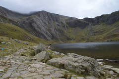 Idwal Lake (CoasterMadMatt) Tags: ogwen2017 ogwen carneddauandglyderau carneddauglyderau landscape landscapes naturallandscape scenery scenic ruggedlandscape welshlandscape glyderau mountain mountains hill hills llynidwal lakeidwal llyn lake lakes idwal picturesque thenationaltrust nationaltrust gwynedd wales britain greatbritain gb unitedkingdom uk september2017 summer2017 september summer 2017 coastermadmattphotography coastermadmatt photos photography photographs nikond3200