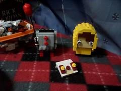 MOC: Inspired Pennywise and Georgie brickheadz (Update 2) (Mr Lego Customs) Tags: lego it pennywise brickheadz