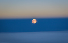 Moon Rise from 30,000ft (Andy.Gocher) Tags: andygocher canon100d canon100dsigma18250 sigma18250 europe amsterdam windowseat aeroplaneseat aeroplanewindow aerial moon rise