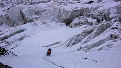 Monika zaklada asukuracje ze śruby na 70m lodowej ściance, (Tomasz Bobrowski) Tags: wspinanie mountains gruzja kaukaz góry caucasus georgia climbing