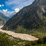 Peaks of the Himalayas visible on the way to Gangotri in Uttarakhand thumbnail