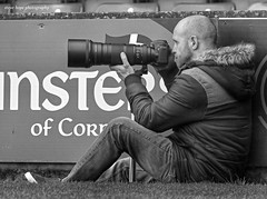Scunthorpe United photographer (SteveH1972) Tags: canonef70200mmf28lusm canon7d 7d canon70200usml28nonis nonis 70200 blackandwhite monochrome bw camera lens coat man men people person glanfordpark scunthorpeunited scunthorpe northernengland northlincolnshire lincolnshire football 2017 outside outdoor outdoors europe photographer iron sit sitting seated