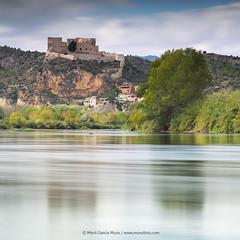 Reflejos en el rio (margarmun) Tags: reflejos rio paisaje agua castillo arbol