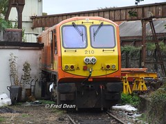 Irish Rail 210 in Inchicore. (Fred Dean Jnr) Tags: dublin september2009 iarnrodeireann irishrail 201class generalmotors electromotivedivision inchicorerailwayworks