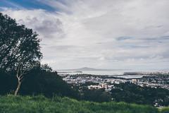 Auckland (bruit_silencieux) Tags: auckland newzealand nouvellezélande city oceania travel roadtrip sigma35mm14art sonya7 clouds cityview nature mounteden volcano