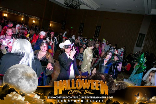 "Halloween Costume Ball 2017 • <a style=""font-size:0.8em;"" href=""http://www.flickr.com/photos/95348018@N07/24225114398/"" target=""_blank"">View on Flickr</a>"