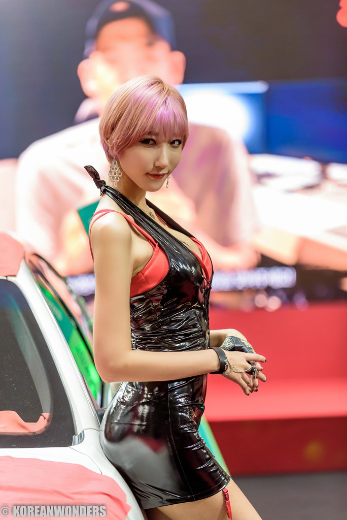 Thai nude promotional car product show model debut and exam