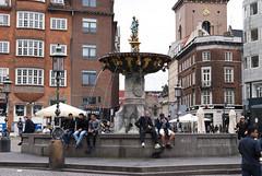 Nytorv, København, Denmark (Tiphaine Rolland) Tags: københavn copenhague copenhagen denmark danmark danemark september autumn automne 2017 nytorv place square københavnsbyret fontaine fountain