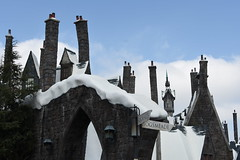 """""""No part of your body has permission to be in Hogsmeade"""" -Professor Snape October 5, 2017 (James_Seattle) Tags: nikond7200 d7200 harrypotter harrypotterwizardingworldhollywood harrypotterwizardingworldhollywooduniversal hogwartsschoolofwitchcraftandwizardry jkrowling novelistjkrowling wizardingworld hogsmeade hollywoodcalifornia california thecollectionshelf wallpaper background outdoor desktop photo harrypotterwallpaper harrypotterbackground harrypotterdesktop"""