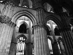 La lumière après le noir !!! (François Tomasi) Tags: cathédrale cathédralederouen rouen religion monochrome noiretblanc blackandwhite patrimoine yahoo google flickr tomasiphotography françoistomasi lights light lumière normandie france europe photo photography photographie photoshop reflex nikon digital numérique filtre pointdevue pointofview pov traitement traitementnumérique octobre 2017