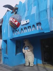 Bar de Hielo - El Calafate (Ana_1965_2010) Tags: bar bardehielo barpolar icebar polarbar polar hielo ice glace gelo ghiaccio oso osopolar beer polarbeer celeste elcalafate calafate anawilli flickr