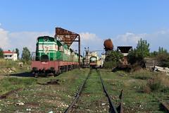 Uitgerangeerd (Durk Houtsma.) Tags: albania hsh t6691051 lokomotief albanië t6691046 golem diesel t669 shkozet locomotief dürres albanie depot durrës qarkuidurrësit al