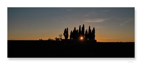 "L'automne sort du bois • <a style=""font-size:0.8em;"" href=""http://www.flickr.com/photos/88042144@N05/37487498766/"" target=""_blank"">View on Flickr</a>"