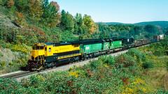 4002_9_25 (3)_crop_clean_R2 (railfanbear1) Tags: dh nysw