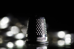 The Thimble of my Mom #Sidelit ((Raffaella@)) Tags: sidelit macromondays macro light home bokeh object thimble
