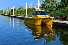 Torksey Cat (Nanny Bean) Tags: workingboats patrolboat survey catamaran yellow rivertrent
