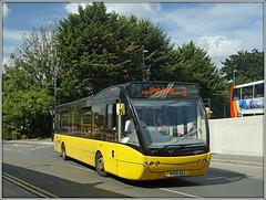 Meridian MX09 AOJ (Jason 87030) Tags: meridian optare versa buzz yellow bus northgate busstation northants northamptonshire town 31 northampton september sony 2017 sunny kingsheath route service wheels