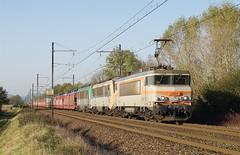 BB 7424 et fret (SylvainBouard) Tags: train railway sncf bb7200 fret bb26000 bb36000