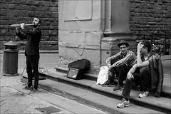 Firenze (malko59) Tags: firenze florence italia italy street urban streetphotography biancoenero blackandwhite musica music flauto flute