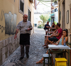 Conta, Por Favor (Trouvaille Blue) Tags: portugal lisboa lisbon alfama cafe waiter check alley trouvailleblue contaporfavor