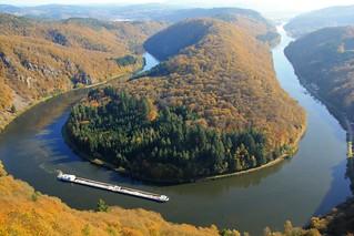 Cloef Orscholz Saarland Sarre Deutschland Allemagne Germany : die Saarschleife im Herbst, le méandre de la Sarre en automne, the meander of the Saar in autumn. On explore.