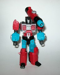 perceptor with convex transformers generations titans return deluxe class hasbro 2017 k (tjparkside) Tags: perceptor with convex microscope transformers transformer hasbro generations titans return 2016 2017 robot robots collector collectors card mosc deluxe class autobot autobots headmaster headmasters titan master masters shrink micro size microscopic sniper rifle alt mode repair sabotage generation one g1 1 character