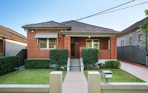 4 Cormiston Av, Concord NSW 2137