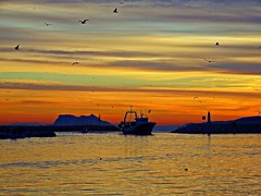 Colores del atardecer (Antonio Chacon) Tags: andalucia atardecer estepona málaga mar mediterráneo costadelsol cielo españa spain sunset