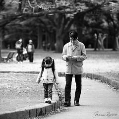 Walking in the Park (Mario Rasso) Tags: mariorasso japan nikon father family park tokio tokyo daughter d810