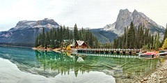 Emerald Lake, Yoho National park, B.C. - ICE(5)2412-23 (photos by Bob V) Tags: emeraldlake yoho yohopark yohonationalpark panorama mountainpanorama mountains rockymountains rockies canadianrockies reflection reflectiononwater emeraldlakelodge britishcolumbia britishcolumbiacanada