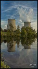 Reflection sur l'avenir (touflou) Tags: cnpe bellevillesurloire edf nucléaire centrale électricité réflection reflets tours aéroréfrigérants énergie