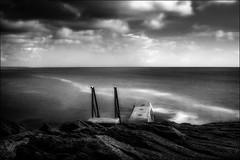Entre ciel et mer..../ Between sky and sea... (vedebe) Tags: noiretblanc netb nb bw monochrome escaliers mer ocean bretagne port ports eau poselongue ciel porspoulhan nuages paysages paysage nd longexposure marine