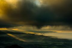 Blade Runner 2049 (lluisg8207) Tags: nsfotografía nsexperience fuji gfx50s paisaje landscape santuaribellmunt nieblas amanecer